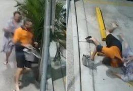 Após ser roubada, idosa persegue e derruba ladrão com 'golpe ninja' – VEJA VÍDEO