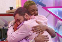 Gilberto relata sonho com Lucas Penteado: 'Voltava, mas não me beijava' – VEJA VÍDEO