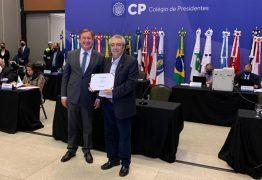 Presidente do Crea-PB, Antônio Aragão, repassa cargo de coordenador do Colégio de Presidentes, em Brasília