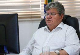 João Azevêdo fará reunião para decidir novo decreto esta semana e faz apelo para que os prefeitos avancem na vacinação