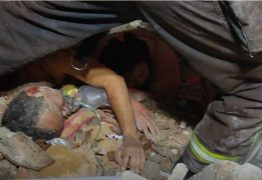 Explosão de botijão de gás derruba sete casas e deixa quatro mulheres mortas