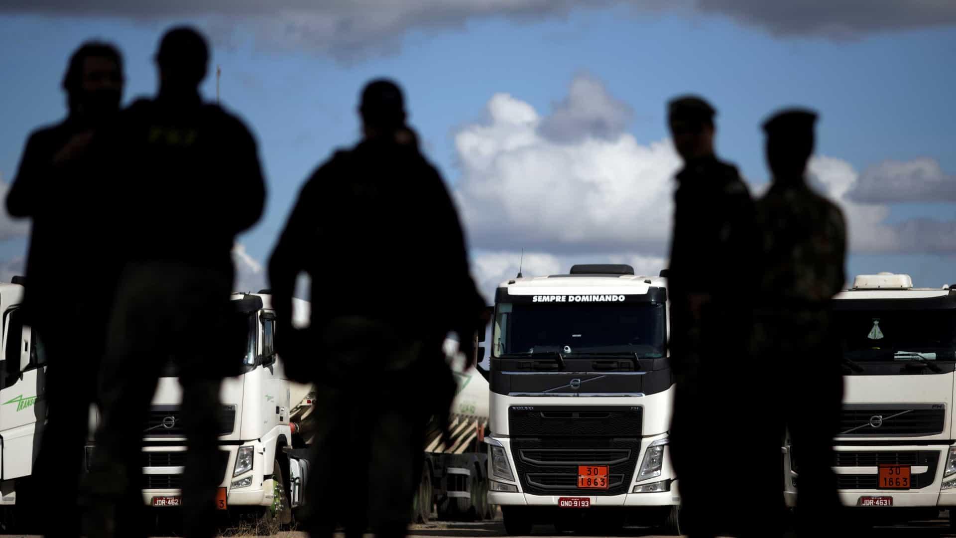 naom 5b0daf0d70150 - Greve dos caminhoneiros tem baixa adesão e poucos problemas nas rodovias até o início da tarde