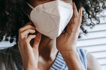 uso de mascaras variantes e vacina nao alteram recomendacoes 360x240 - Sintomas iniciais de Covid-19 podem variar de acordo com idade e sexo