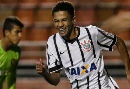 MENOS UM! Corinthians confirma retorno do primeiro jogador atingido por surto de Covid-19 no time