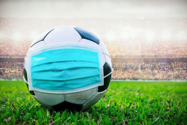 a maioria dos paises permanece com as competicoes de futebol paralisadas devido a pandemia do novo coronavirus 243137 article - PREJUÍZO! Manchester United e Juventus revelam balanço financeiro após a pandemia da Covid-19