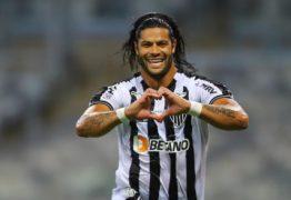 """BOA ESTREIA! Paraibano Hulk comemora 1º gol pelo Atlético-MG: """"espero dar alegrias à torcida"""""""