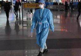 China torna obrigatório teste anal para todos os estrangeiros que chegam ao país