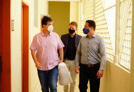 Ruy Carneiro diz que prefeitura prejudica Hospital Laureano ao segurar repasse já liberados