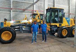Prefeitura de Cajazeiras anuncia aquisição de máquina motoniveladora através de parceria com o deputado Wellington Roberto