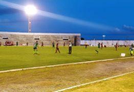 Com pênalti controverso, Campinense marca no fim e vence Nacional de Patos