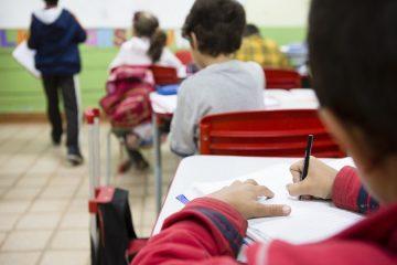 escola estudante sala de aula 22072020124221064 360x240 - Alunos da Rede Estadual voltam às aulas nesta quinta-feira (23)