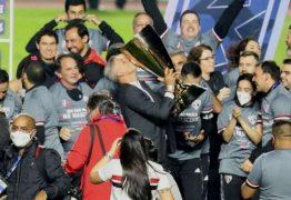 """""""O futebol é mágico"""", diz Crespo sobre relação com torcida"""
