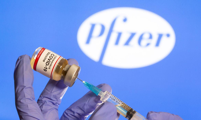 2020 11 09t151944z 2 lynxmpega815v rtroptp 4 saude corona reinounido pfizer encomenda - Mais de 91 mil doses de vacinas da Coronavac e Pfizer chegam à Paraíba nesta sexta-feira