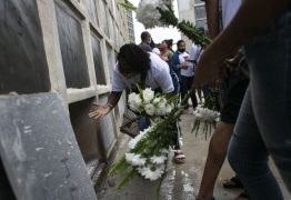 No Jacarezinho, 28 mulheres enterram seus filhos no Dia das Mães – Por Monica Cunha