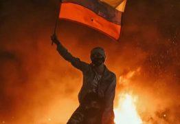 """""""GOVERNO MATANDO O POVO"""": Colômbia tem madrugada marcada por protestos; em pânico manifestantes falam em """"massacre"""" – VEJA VÍDEO"""