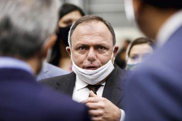 EDUARDO PAZUELLO GettyImages 1230656843.jpg 360x240 - Com voto de ministro paraibano, TCU decide processar Eduardo Pazuello e mais 3 por omissão na pandemia