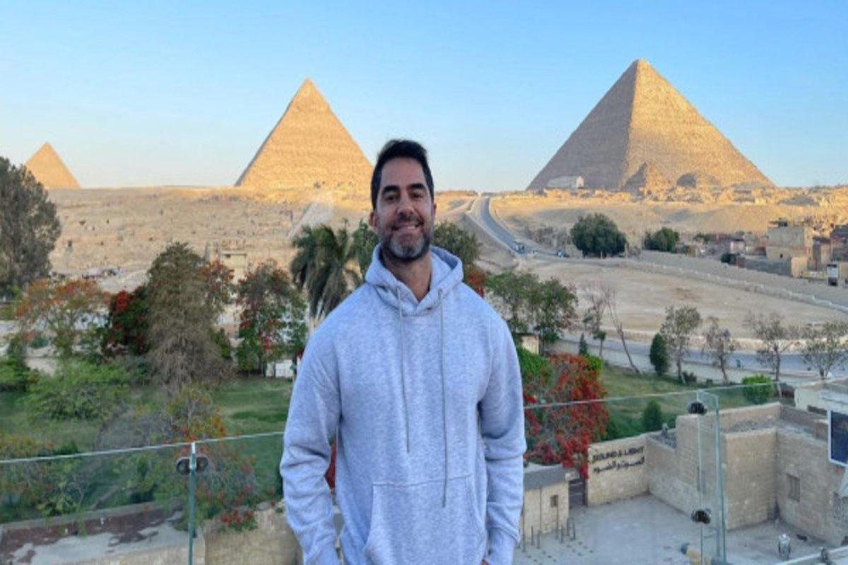 Influencer bolsonarista é preso após assediar vendedora mulçumana no Egito: