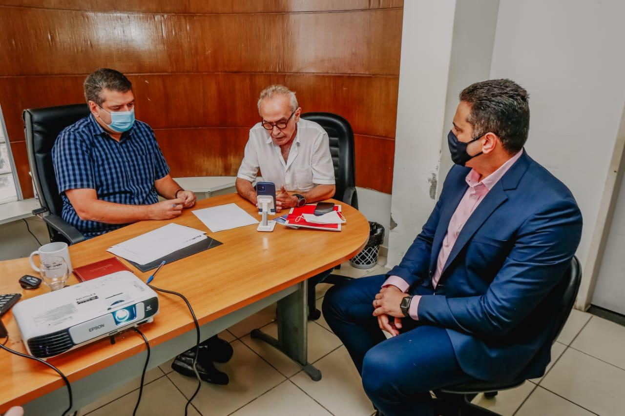 WhatsApp Image 2021 05 06 at 12.55.36 - Prefeito se reúne com representante do Ministério da Economia para debater programa Cidade Sustentável