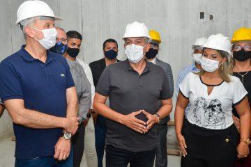 WhatsApp Image 2021 05 25 at 16.30.19 360x240 - Buscando parcerias, Emerson Panta recebe Aguinaldo Ribeiro em visita a obras em Santa Rita