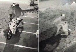 Câmera de segurança flagra momento em que mulher luta com ex-companheiro e escapa de ser morta a facadas– VEJA