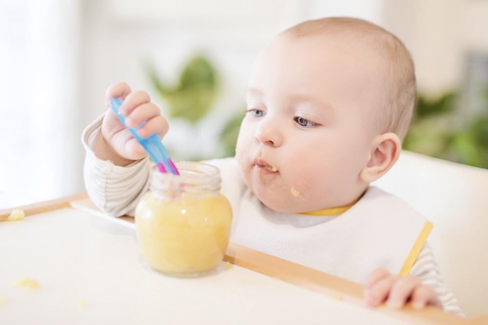 bebe papinha 2 - Saiba como introduzir alimentos sólidos na alimentação do bebê