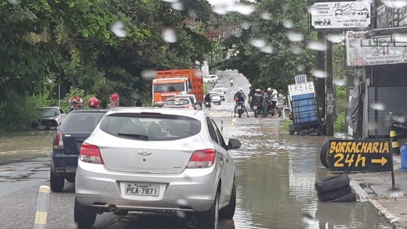 chuvas jp 800x450 1 - FORTES CHUVAS E DESASTRES: dez famílias ficam desabrigadas em João Pessoa; prefeitura presta assistência