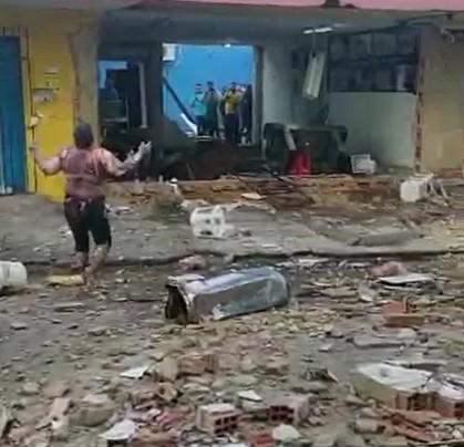 Cozinheira que saiu andando após explosão de botijão morre após 10 dias