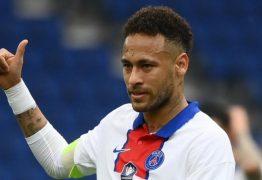 """""""Estão levando para o pessoal"""" reclama Neymar após levar cartão amarelo, que pode lhe tirar da final da Copa da França"""
