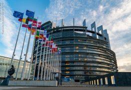 UE propõe autorizar turistas vacinados e abre brecha para CoronaVac
