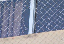 Tesoura escolar e tela de proteção são enviadas a perícia para investigar morte de criança que caiu do 22º andar de prédio em João Pessoa