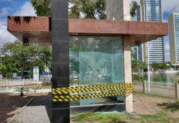 """Ataque à bomba: monumento """"à Bíblia"""" é alvo de vândalo em Campina Grande"""
