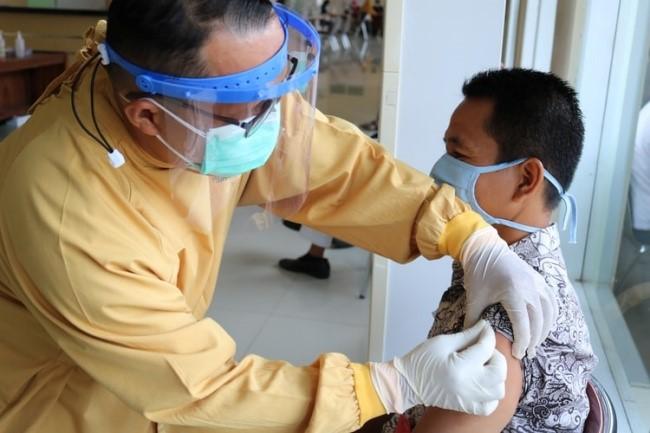 16173157019296 - Paquistão vai bloquear sinal do celular de quem recusar vacina da covid e pleneja suspender pagamento de funcionários públicos