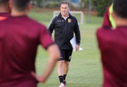 Cinco jogadores da Venezuela testam positivo para covid-19 na chegada a Brasília para estreia na Copa América