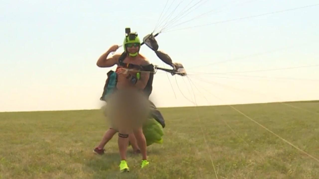 60cb122e8346ba25ea689d4b o U v2 - INUSITADO! Paraquedista quebra recorde ao completar 60 saltos em 24h totalmente nu