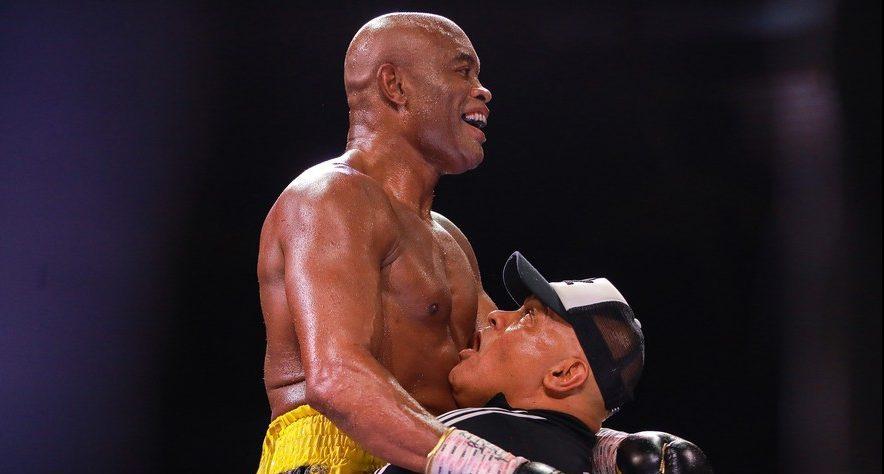 ANDERSON SILVA e1624195296650 - SURPREENDEU: Anderson Silva vence ex-campeão mundial Julio Cesar Chaves Jr, em sua reestreia no boxe - VEJA VÍDEO