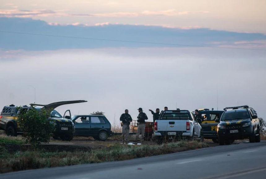 """Capturar.JPGASS - Caseiro conta como foi troca de tiros com Lázaro em fazenda e caminhoneiro afirma que o viu atravessar a BR: """"Correu muito veloz"""" - VEJA VÍDEO"""