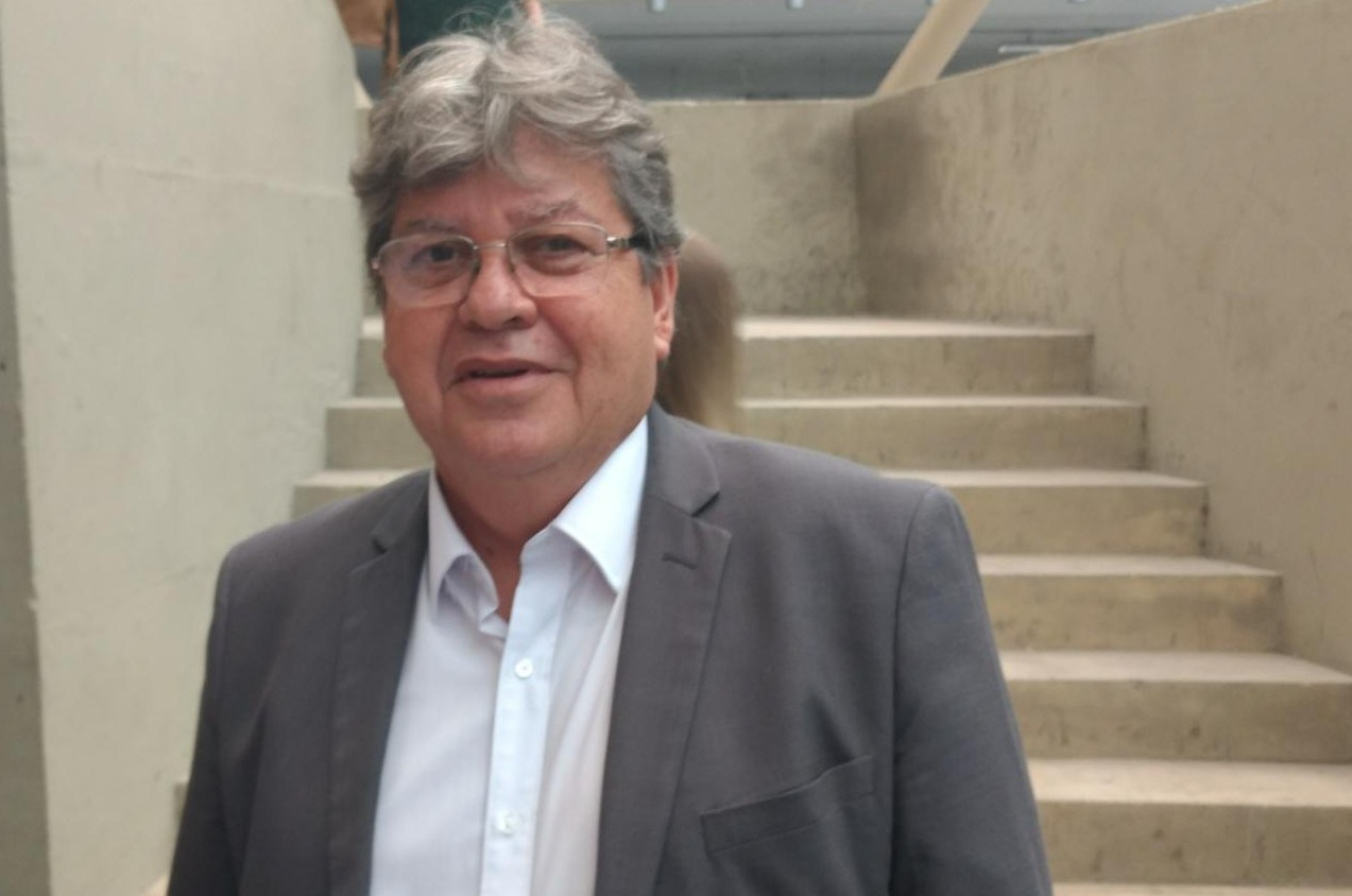 Joao Azevedo e1505754131786 - João Azevêdo sanciona lei que prevê perdão de IPVA e de taxas de motos em atraso