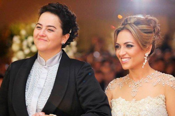 """LANNA HOLDER E ROSANIA ROCHA - TERRA SEM LEI? Pastora lésbica convida fieis para sua igreja e internautas reagem com comentários homofóbicos: """"Vão tudo para o inferno!"""" - VEJA VÍDEO"""