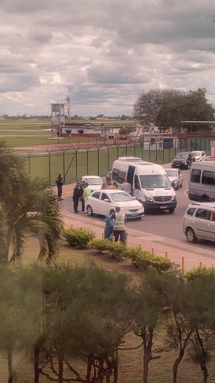 WhatsApp Image 2021 06 15 at 12.35.06 - DE SURPRESA: Juliette desembarca na Paraíba nesta terça-feira e fãs registram chegada - VEJA VÍDEOS