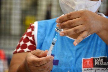 COMBATE À PANDEMIA: João Pessoa segue vacinando com D3 para 62+, D2, e D1 a partir de 15 anos sem comorbidades