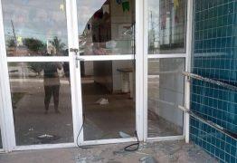 PARCIALMENTE DESTRUÍDA! Bandidos invadem USF nesta madrugada em João Pessoa