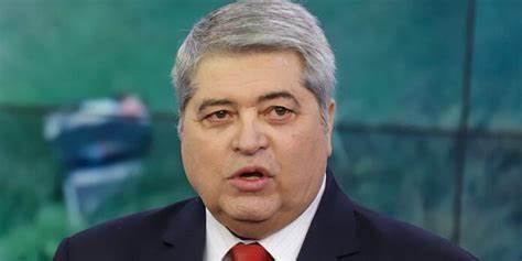datena 1 - Datena assina ficha de filiação ao PSL e deve ser lançado como pré-candidato a presidente - VEJA