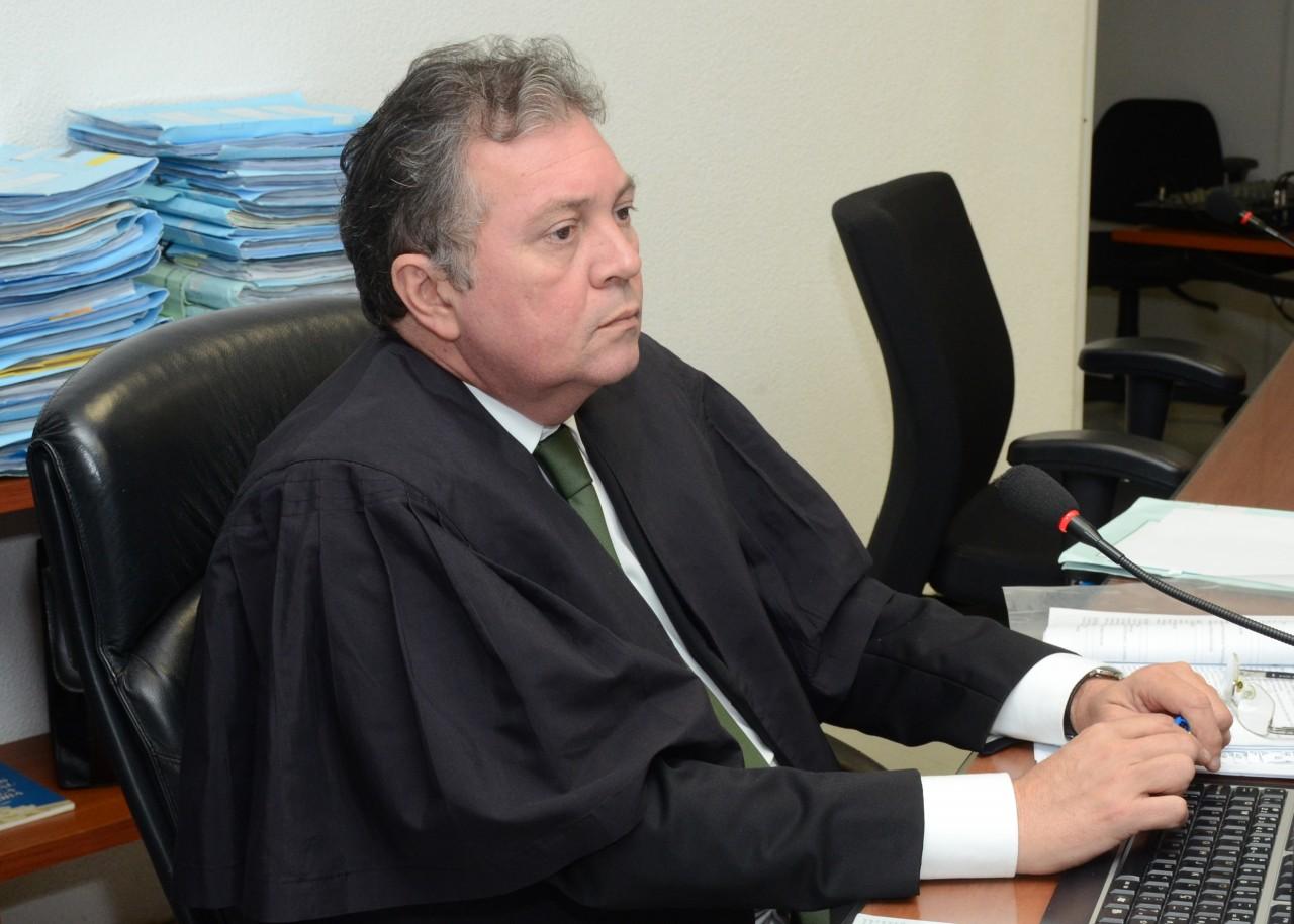 juiz carlos eduardo leite lisboa 29 08 17 7 - Banco deverá pagar multa de 30 mil reais por descumprir lei da fila em Campina Grande