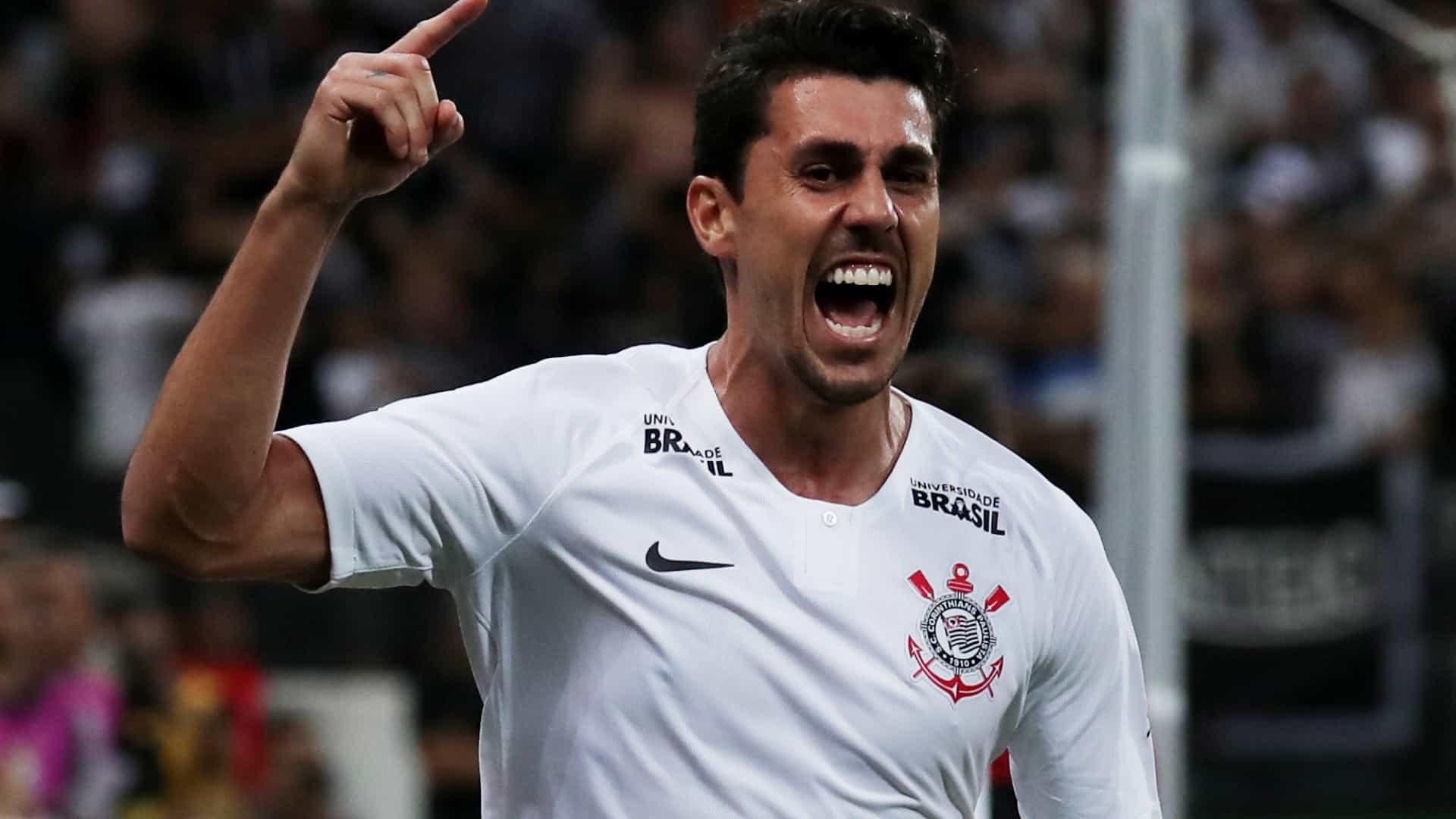 naom 5ca6a38681679 - Avelar, do Corinthians, admite ofensas racistas em jogo de eSports e se desculpa