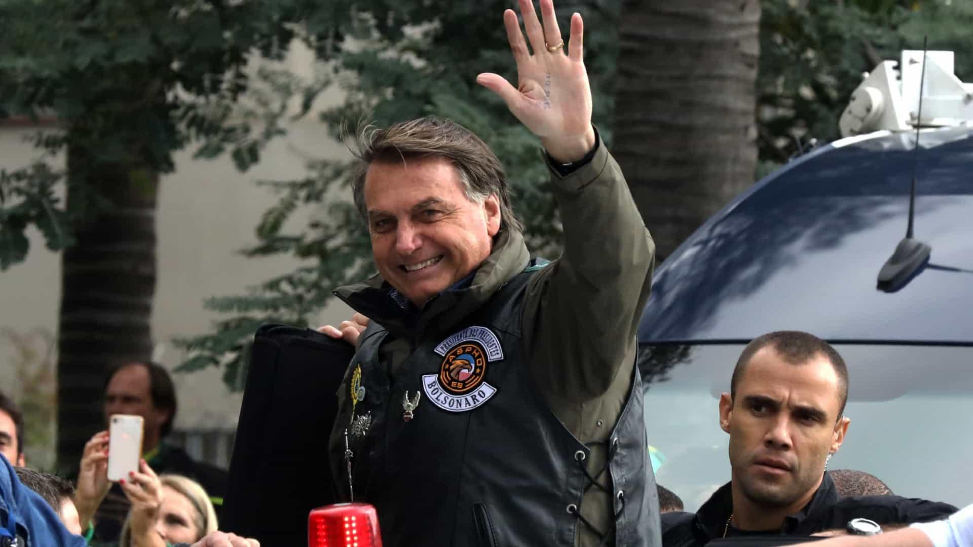 naom 60c4ffe901b8a - Após motociata, Bolsonaro cita Deus e militares, enaltece PM-SP e cloroquina e ataca isolamento