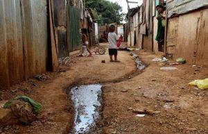 pobreza 300x193 - Inflação para quem tem renda abaixo de R$ 1.650 atinge 8,91% no acumulado de 12 meses até maio