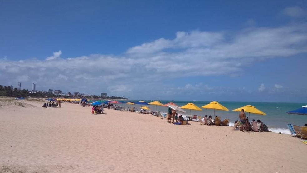 praia 5 - Com bandeira amarela, João Pessoa e Cabedelo devem liberar praia no fim de semana e ampliar horário de bares e restaurantes