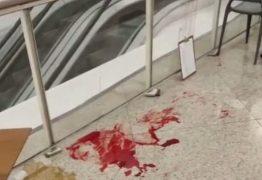 ASSASSINADA EM PÚBLICO! Mulher morre ao ser esfaqueada na praça de alimentação de shopping; suspeito foi preso em flagrante