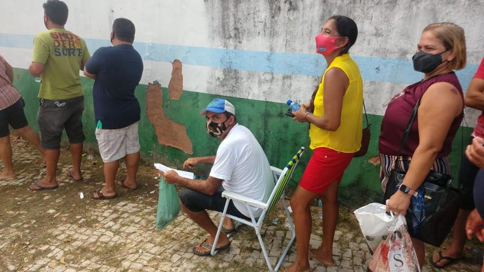 whatsapp image 2021 06 12 at 10.07.03 - Cascavel, no Ceará, adota vacinação por ordem de chegada e moradores 'dormem na fila' para garantir senha
