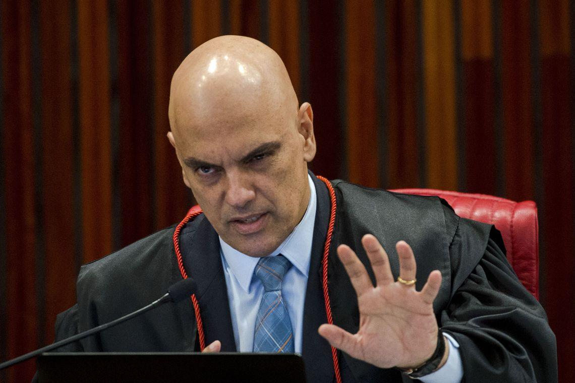 20190518010536 5cdf45a599731d5e154bf7a3jpeg - Moraes estende por mais 90 dias inquérito 'Moro x Bolsonaro'